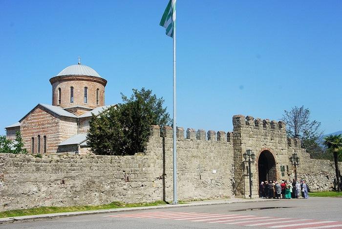 Историко-архитектурный памятник «Великий Питиунт»