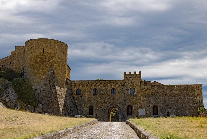 Бовино замок