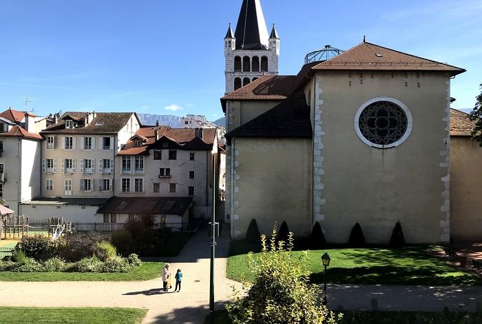 Церковь Нотр Дам де Льес