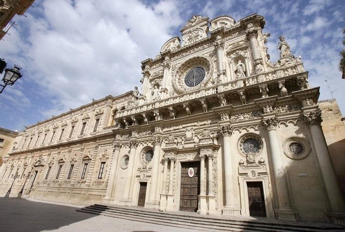 Лечче базилика Санта-Кроче