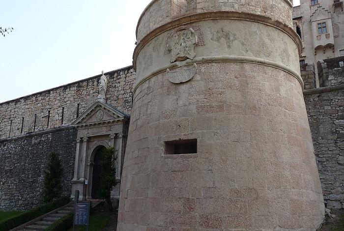 Замок Сан-Виджилио