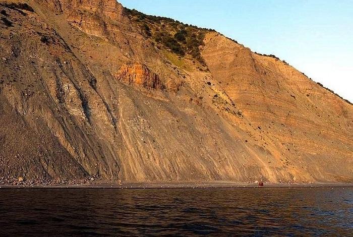 Пляж «Гора Прометея»