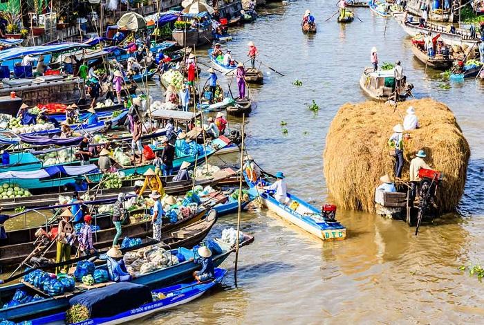 Дельта Меконга и плавучий рынок