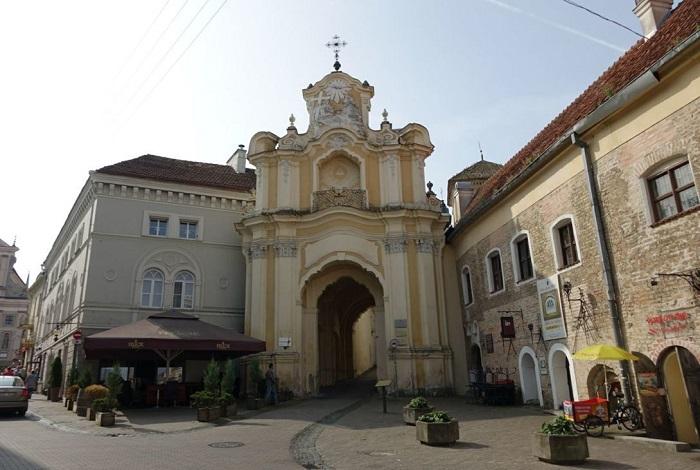 Василианские ворота