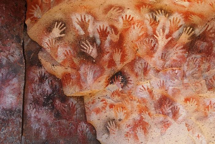 Пещера Куэва-де-лас-Манос или Пещера рук