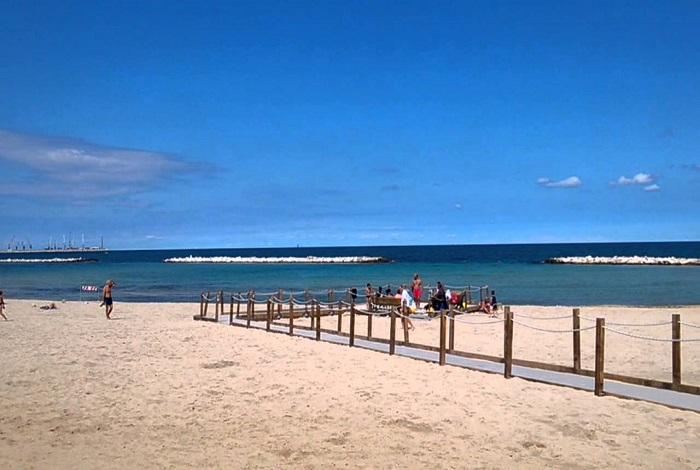 "Пляж ""Хлеб и помидор"" (Pane e pomodoro)"