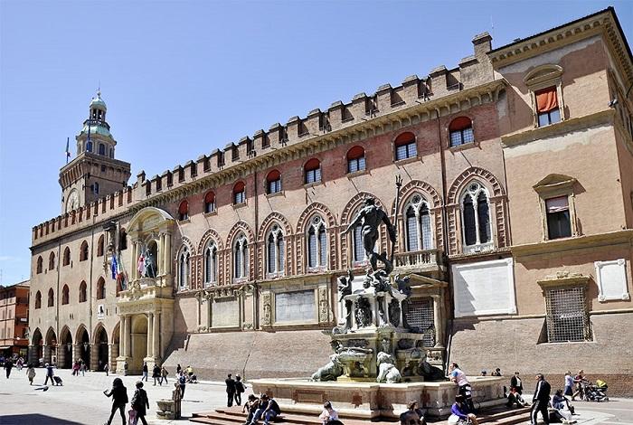Палаццо Болоньи