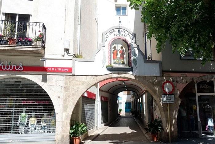 Арочные своды на улице Ампле