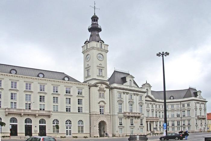 Яблоннский дворец