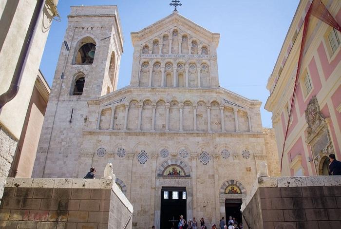 Кафедральный собор в Кальяри