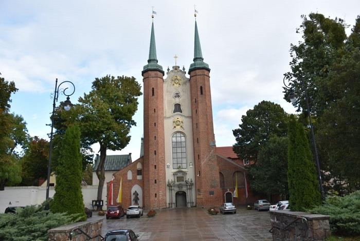 Аббатский дворец и Оливский собор