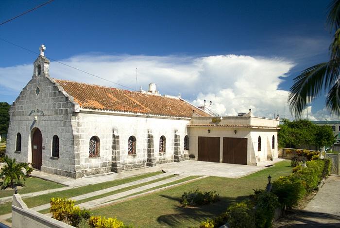 Колониальная церковь Иглесиа де Санта Эльвира