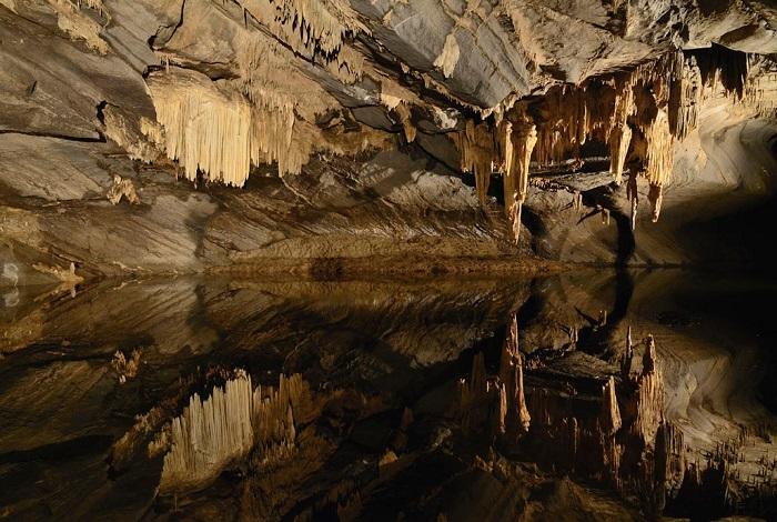 Пещера Ан-сюр-Лес