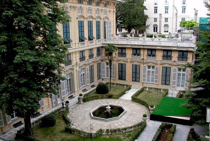 Палаццо Бьянко (Белый дворец)